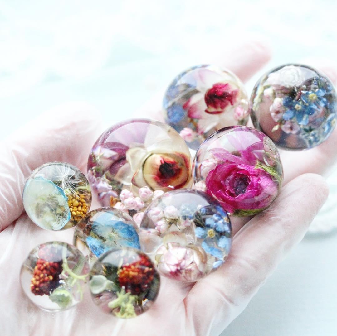 изделия эпоксидной смолы своими руками фото мелких кусочков камня